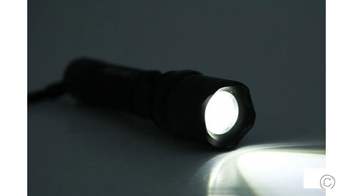 Đèn Pin Siêu Sáng Cree Q5 SS001